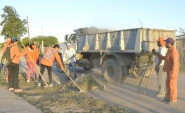El municipio intensifica los operativos de limpieza en los barrios