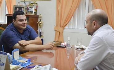 Pablo Mirolo ofreció su apoyo a estudiante bandeño creador de un brazo biomecánico