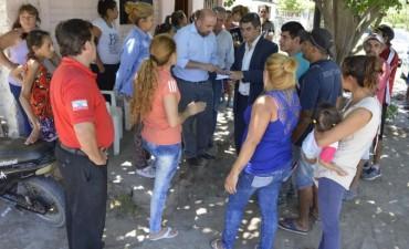 El barrio 17 de Octubre contará con nuevos servicios luego de la visita del intendente Mirolo