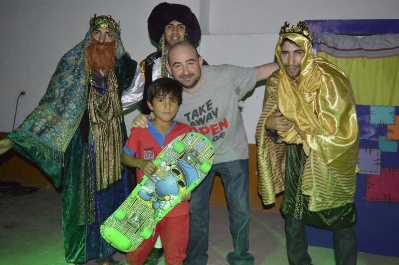Los Reyes Magos llegan a la Plaza Belgrano con una gran fiesta y muchos regalos para los chicos