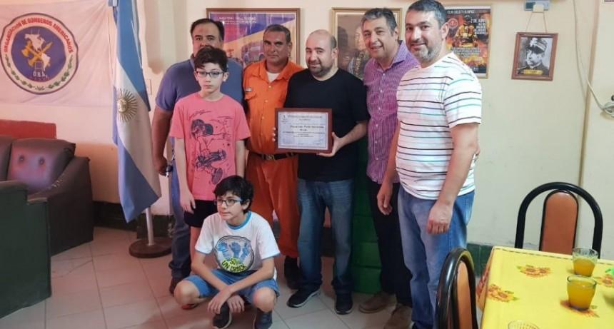 Mirolo visitó el cuartel de Bomberos Voluntarios y entregó presentes navideños