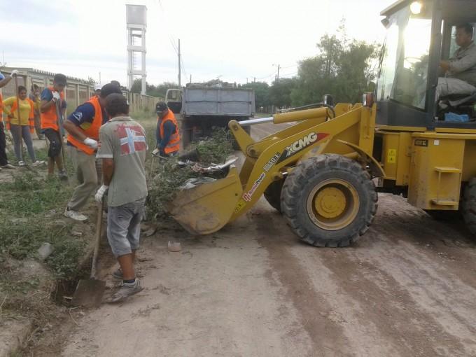 Importante operativo de limpieza en el barrio El Paraíso