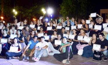 Gran cierre del taller de danzas folclóricas en la Plaza Belgrano