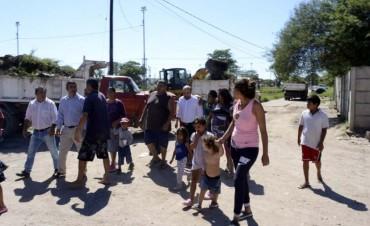 El intendente Mirolo encabezó operativos integrales en el barrio La Isla