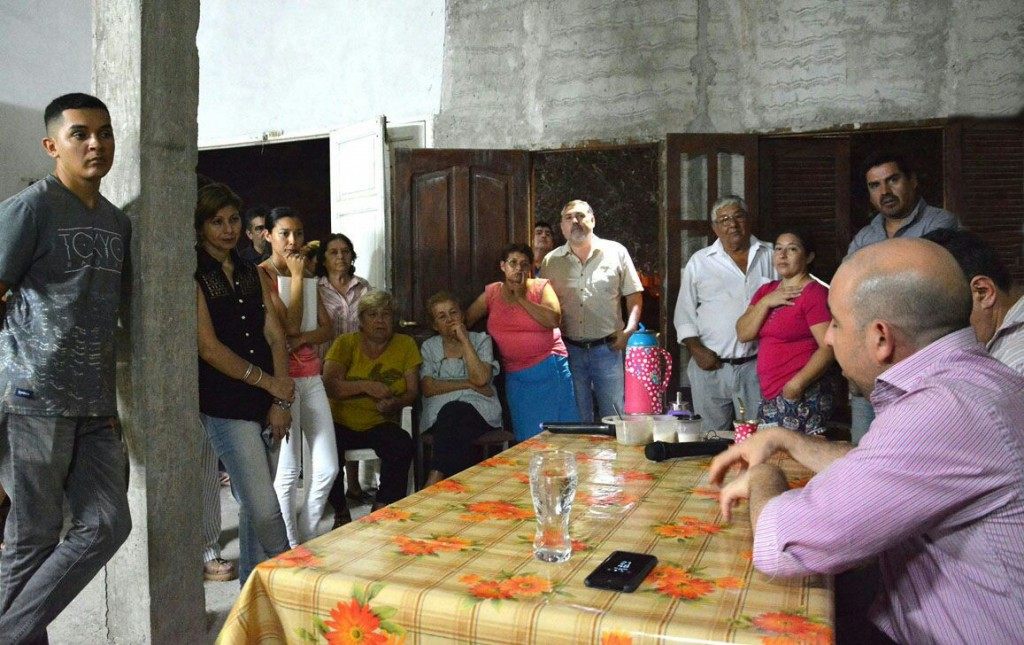 Mirolo se reunió con vecinos para planificar mejoras para el barrio 25 de Mayo Ampliación