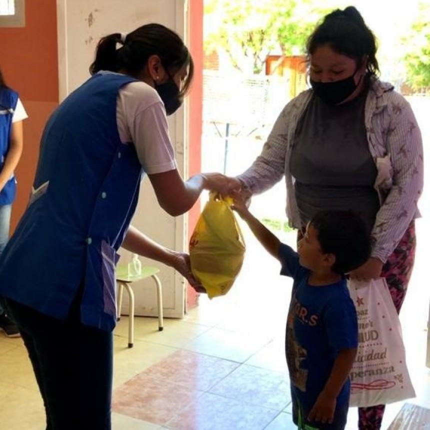 Se entregaron unidades alimentarias a alumnos de los espacios de primera infancia