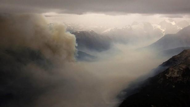 El incendio en el Parque Nacional Los Alerces sigue fuera de control