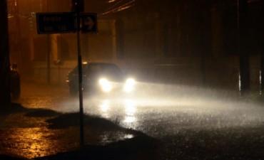 Una intensa lluvia de más de tres horas cayó sobre Santiago del Estero