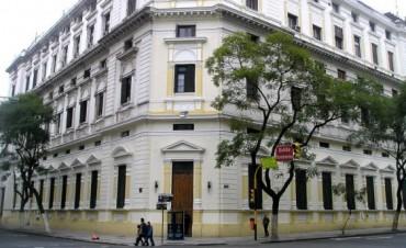 Allanaron la sede central de la Policía Federal por la filtración de fotos personales de Nisman