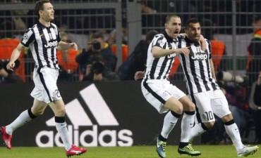 En Alemania, la Juventus eliminó al Borussia Dortmund gracias a la jerarquía de Carlos Tevez
