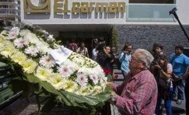 Enterraron al famoso luchador mexicano que murió en el ring