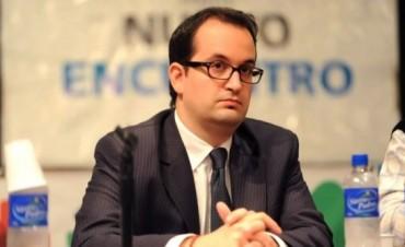 Según su CV, Roberto Carlés fue