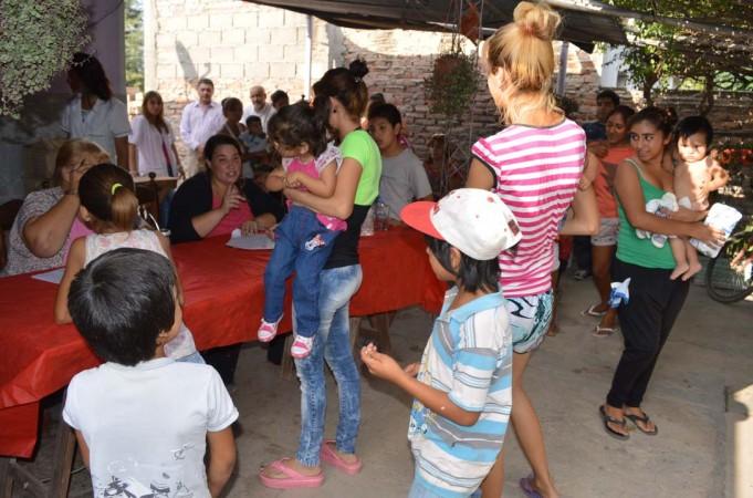 """El municipio bandeño y """"Haciendo Camino"""" realizaron un relevamiento nutricional y social en el Bº Río Dulce"""