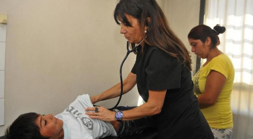 Crece la solicitud de certificados de salud escolar en centros de atención municipal