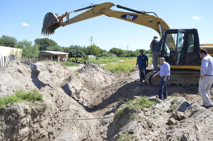 La municipalidad trabajó intensamente en las obras de desagües  en dos barrios bandeños