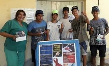 Se brindó capacitación sobre VIH-Sida a un grupo de adolescentes del barrio Tabla Redonda
