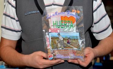 Invitan a beneficiarios del Pro Huerta a retirar semillas de otoño-invierno