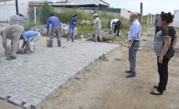 Mirolo dio continuidad al plan de obras de cloacas y pavimento en dos barrios
