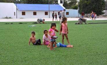 El polideportivo barrio Sarmiento contará con cuatro canchas de césped sintético de primera calidad