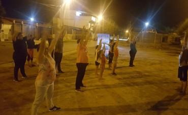 La Dirección de la Juventud dicta clases de ritmos latinos en el barrio Dorrego