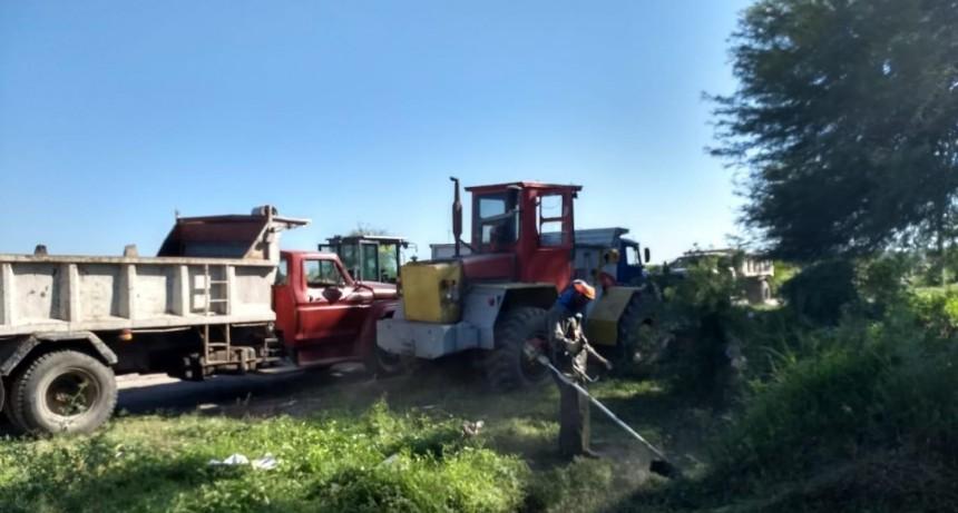 Personal municipal realizó un operativo integral de higiene en el barrio Villa Raquel