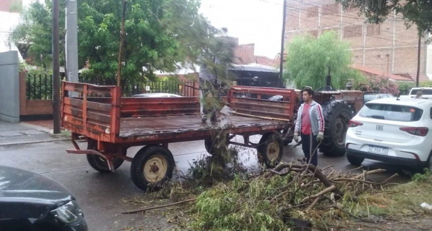 La Municipalidad trabaja en la asistencia de los sectores más afectados por el temporal de lluvia