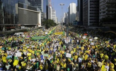 Brasil: movimientos opositores a Rousseff marcharán 1.000 km a pie