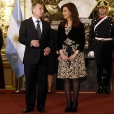 Cristina Kirchner viaja a Rusia, donde buscará confirmar un acuerdo para una central nuclear