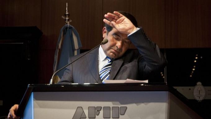 Se complica la permanencia de Ricardo Echegaray en la Auditoría General de la Nación