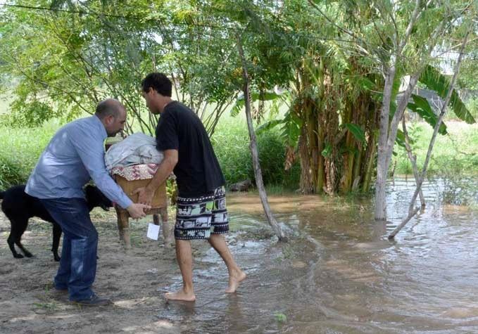 La Municipalidad de La Banda montó un amplio despliegue para asistir a las personas afectadas por el desborde del río Dulce