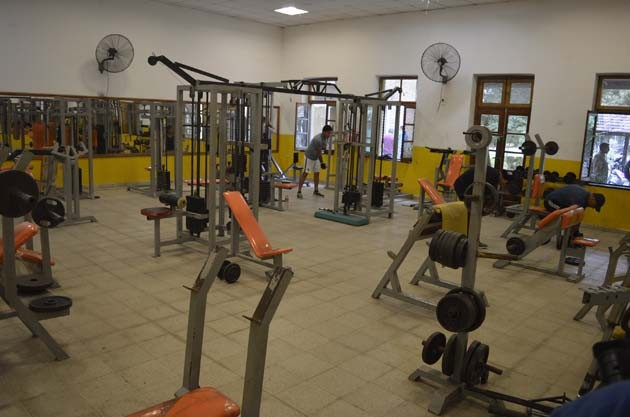 El gimnasio municipal ofrece una grilla completa de actividades deportivas y recreativas