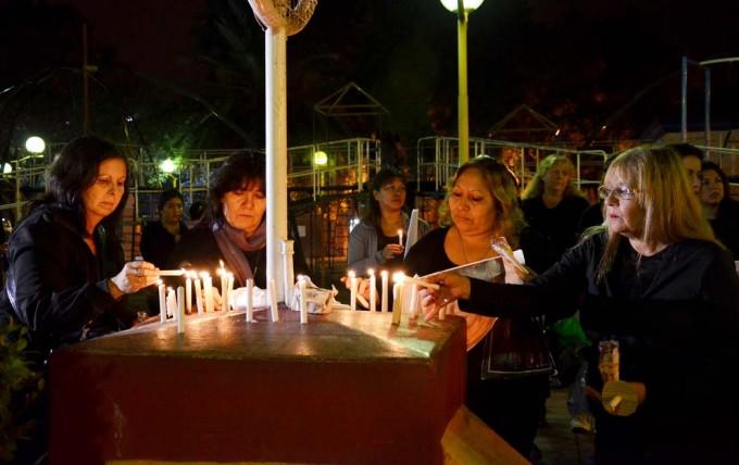 """Con un amplio acompañamiento, la Municipalidad de La Banda dijo """"Basta de femicidios"""""""