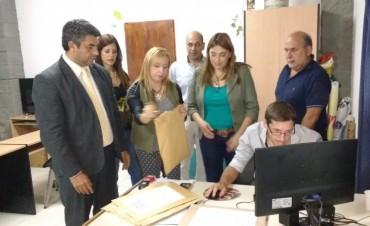 Licitan la compra de artículos para proveer a las instituciones educativas municipales