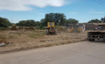 Realizan un operativo de limpieza en el barrio Villa Raquel