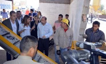 Mirolo presentó junto a autoridades nacionales nuevas maquinarias adquiridas por el municipio