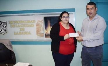 El municipio asistió a una joven estudiante con problemas en la visión