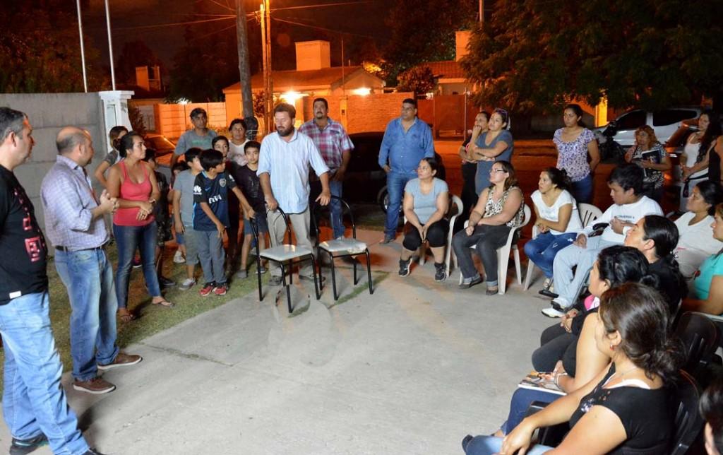 """Mirolo: """"Seguimos visitando los barrios y planificando mejoras para los vecinos"""""""