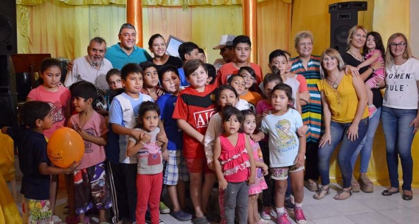 Autoridades municipales dejaron inaugurado un merendero en el barrio Bajo de Vértiz