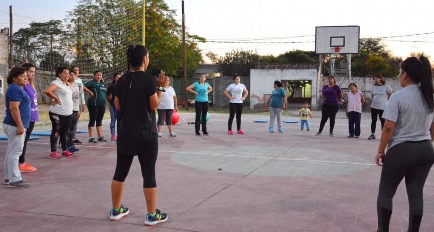 Gran aceptación de los talleres y clases municipales en el Club Villa Unión
