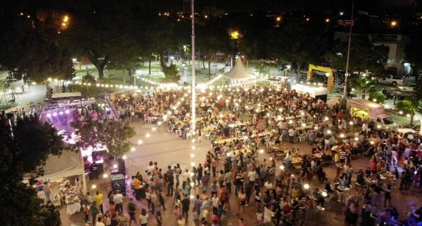 El intendente Mirolo inauguró un moderno sistema de iluminación LED en la plaza Belgrano