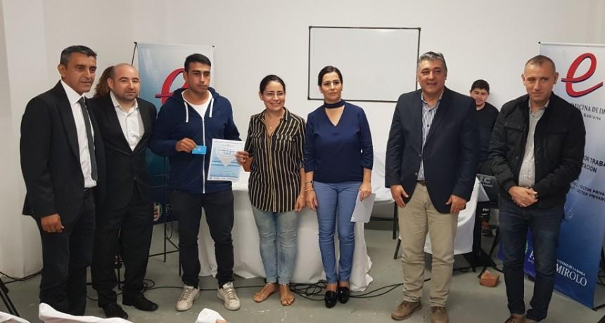 El intendente Pablo Mirolo entregó certificados de los cursos de formación profesional