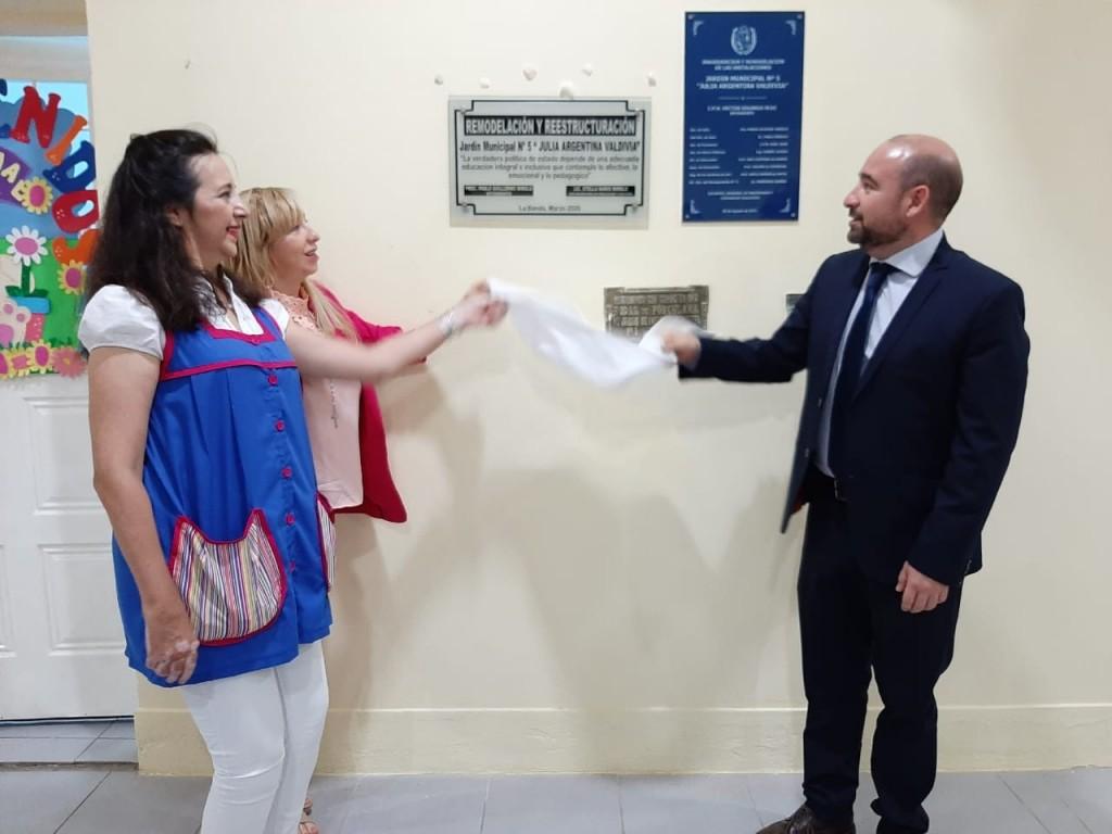 Mirolo abrió el ciclo lectivo del Nivel Inicial Municipal con mejoras en el Jardín de Infantes Nº 5 de barrio Besares