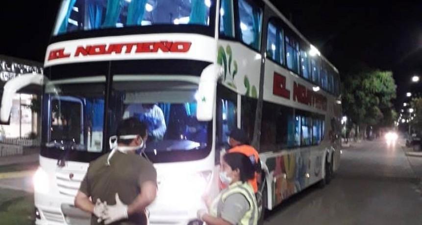 Tránsito Municipal interceptó a empleados de una empresa de colectivos que regresaban luego de haber viajado a Brasil