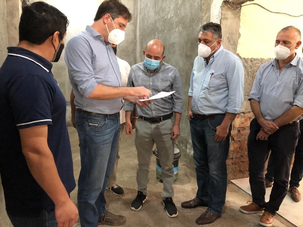 El intendente Mirolo visitó la obra del nuevo CAMM en el barrio Avenida
