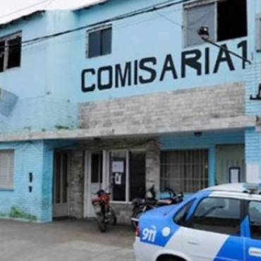 Rosario: delincuentes balearon una comisaría por venganza