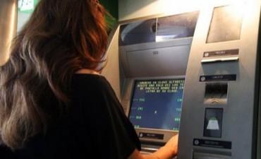 Los billetes de $100 agregaron complicaciones al paro