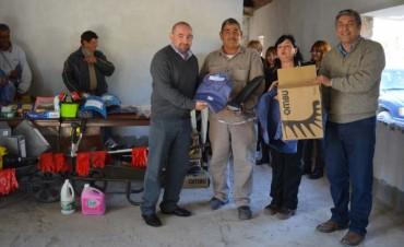 Mirolo entregó equipamiento al personal del cementerio La Misericordia