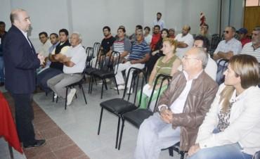 El intendente Pablo Mirolo rindió un homenaje a los taxistas bandeños en su día