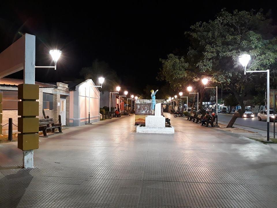 """El Plan de Reconversión Lumínica cambió el paisaje nocturno del Paseo """"Gabriel Ábalos"""""""