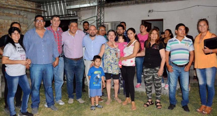 Mirolo fue recibido por directivos y vecinos del Club Villa Unión